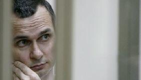 У колонії Олега Сенцова щодня відвідує лікар – сестра