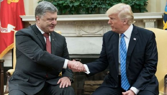 Сенсація від ВВС: Чи зрадив Порошенко Україну з Трампом?