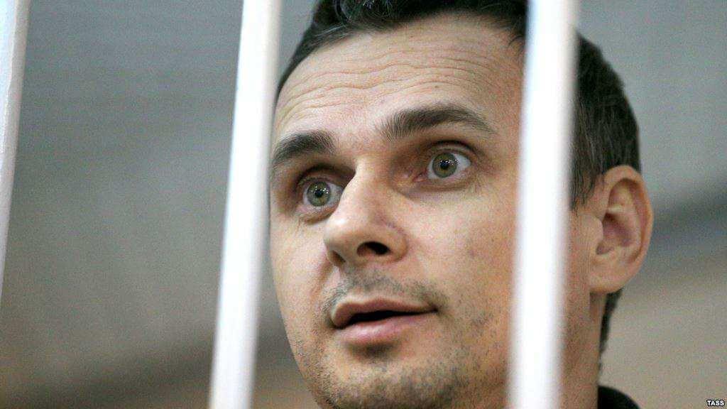 Сенцов повідомив, що про нього в колонії «добре піклуються» та надали окрему палату
