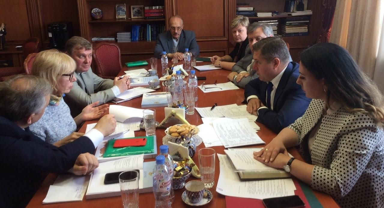 Український омбудсмен прибула до Росії, де відвідуватиме українських політв'язнів