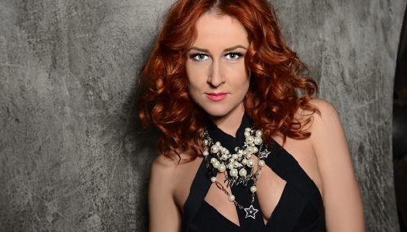 Корреспондентка канала ICTV Анна «Ахава» Тесленко назвала ромов «цыганским биомусором»