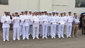 Українські військові моряки приєдналися до акції на підтримку Олега Сенцова