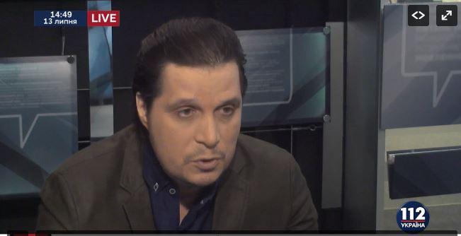 Появление нового ведущего канала «112 Украина» Дениса Жарких вызвало возмущение в соцсетях