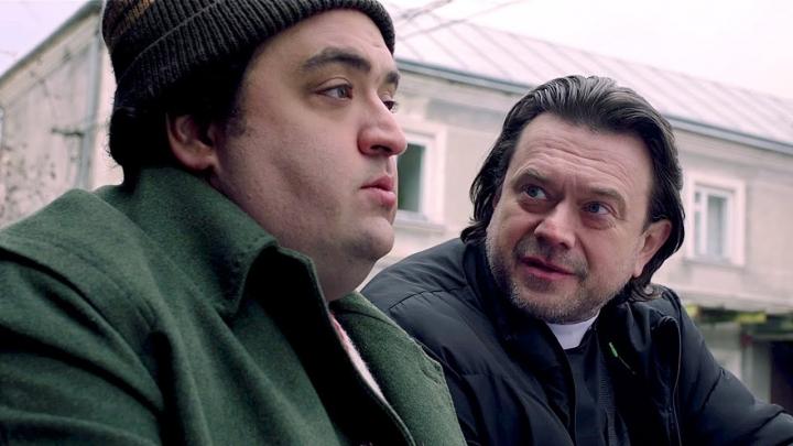 """Українські стрічки «Будинок """"Слово""""» та «IZI» офіційно вийшли в онлайн-прокат"""
