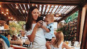 Жена ведущего «Холостяка» ответила критикам ее сына
