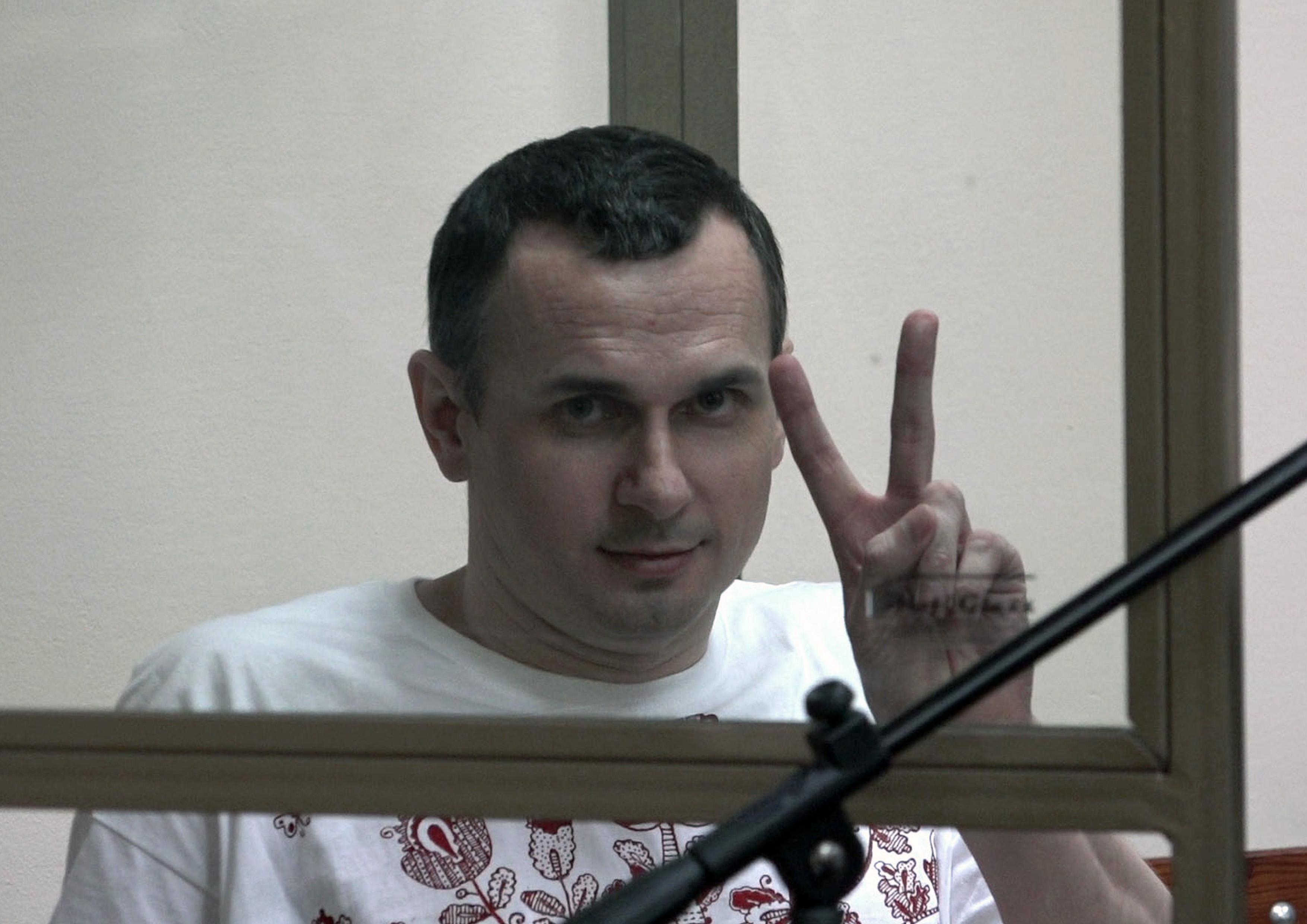 Сенцов попросив не поширювати чутки про його смерть – Дінзе