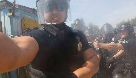У Києві під час сутичок протестувальників із поліцією на Осокорках постраждав фотограф Єфрем Лукацький (ДОПОВНЕНО)