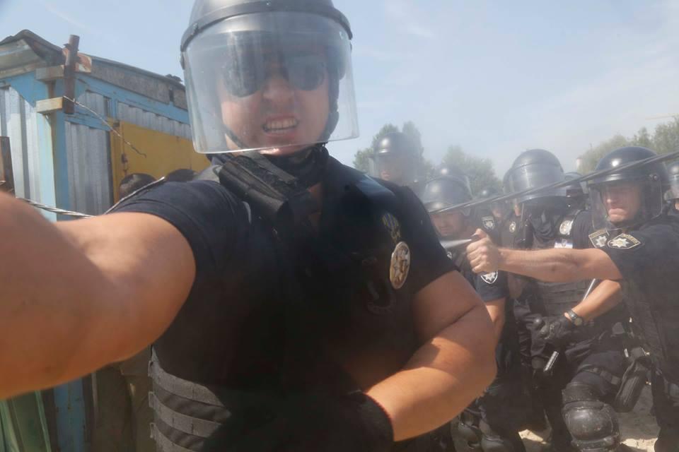 Поліцейський щодо фотокореспондента Єфрема Лукацького діяв протиправно – юрист ІМІ