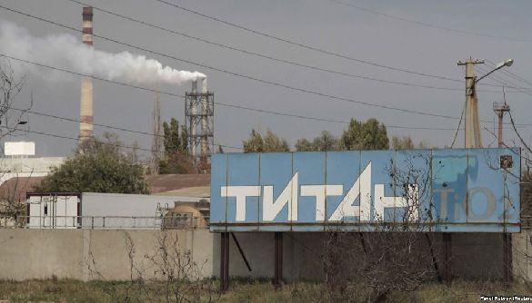 Що різнить ЗМІ України і Росії у висвітленні теми викидів на «Кримському титані»