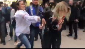 Поліція повідомила про підозру жінці, яка вдарила журналістку NewsOne