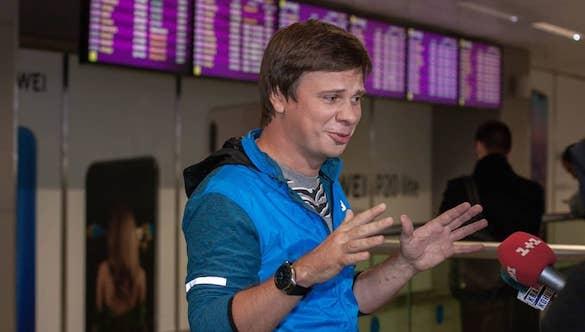 Дмитрий Комаров вернулся из Бразилии, но встречу с фанатами отложил