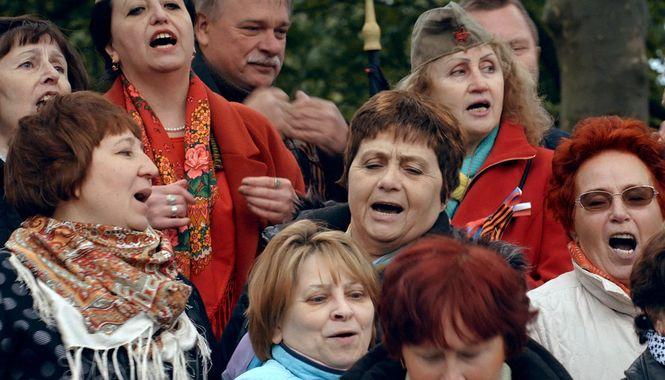 Ця вистава триватиме вічно: про «День Перемоги» Сергія Лозниці