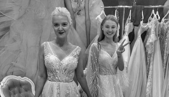 Звезды сериала «Школа» примерили свадебные платья