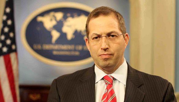 Дерек Митчелл, НДИ: Все, что происходит в Украине, здесь не остается