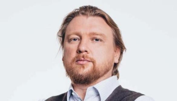 У справі Tinder-скандалу затримали політтехнолога Володимира Петрова (ОНОВЛЕНО)