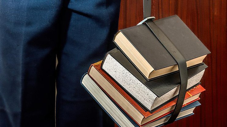 У Дніпрі оштрафовано двох підприємців за розповсюдження книжок з РФ