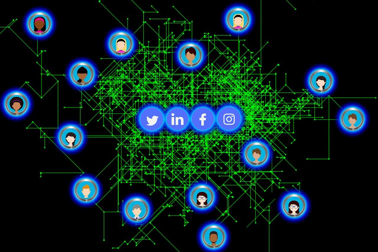 Как журналисты должны вести себя в социальных сетях