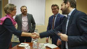 МІП та Facebook обговорили заходи безпеки під час проведення виборів в Україні