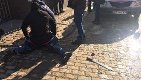 Суд арештував чоловіка, який обстріляв редакцію «Калуш.ФМ»