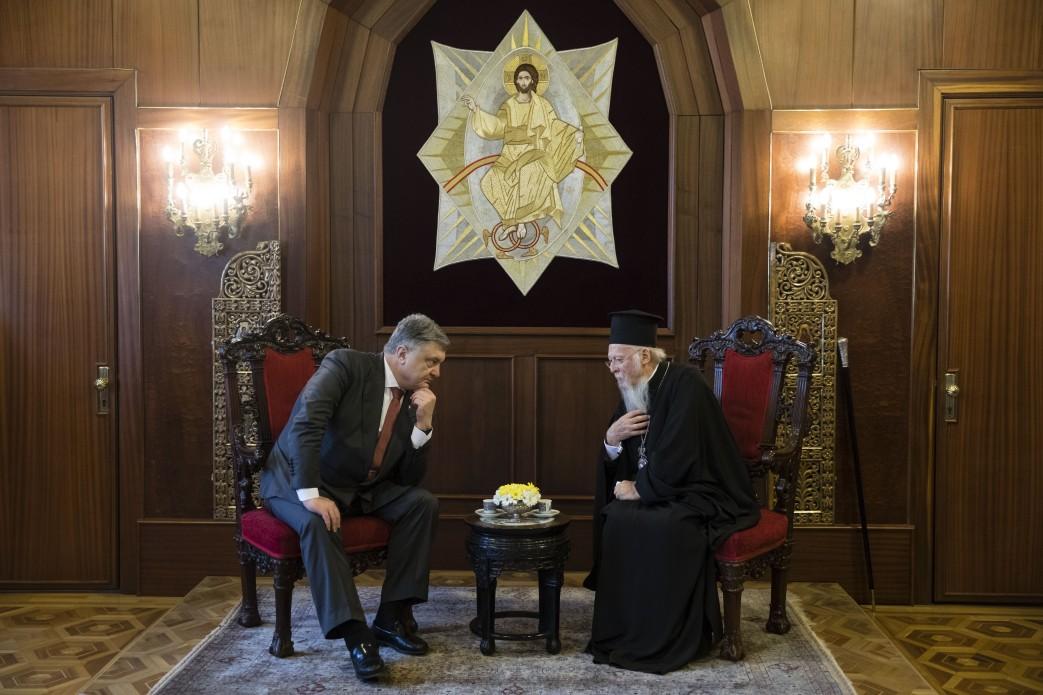 Спецпатриарх Порошенко. Как российские СМИ освещали тему украинской автокефалии