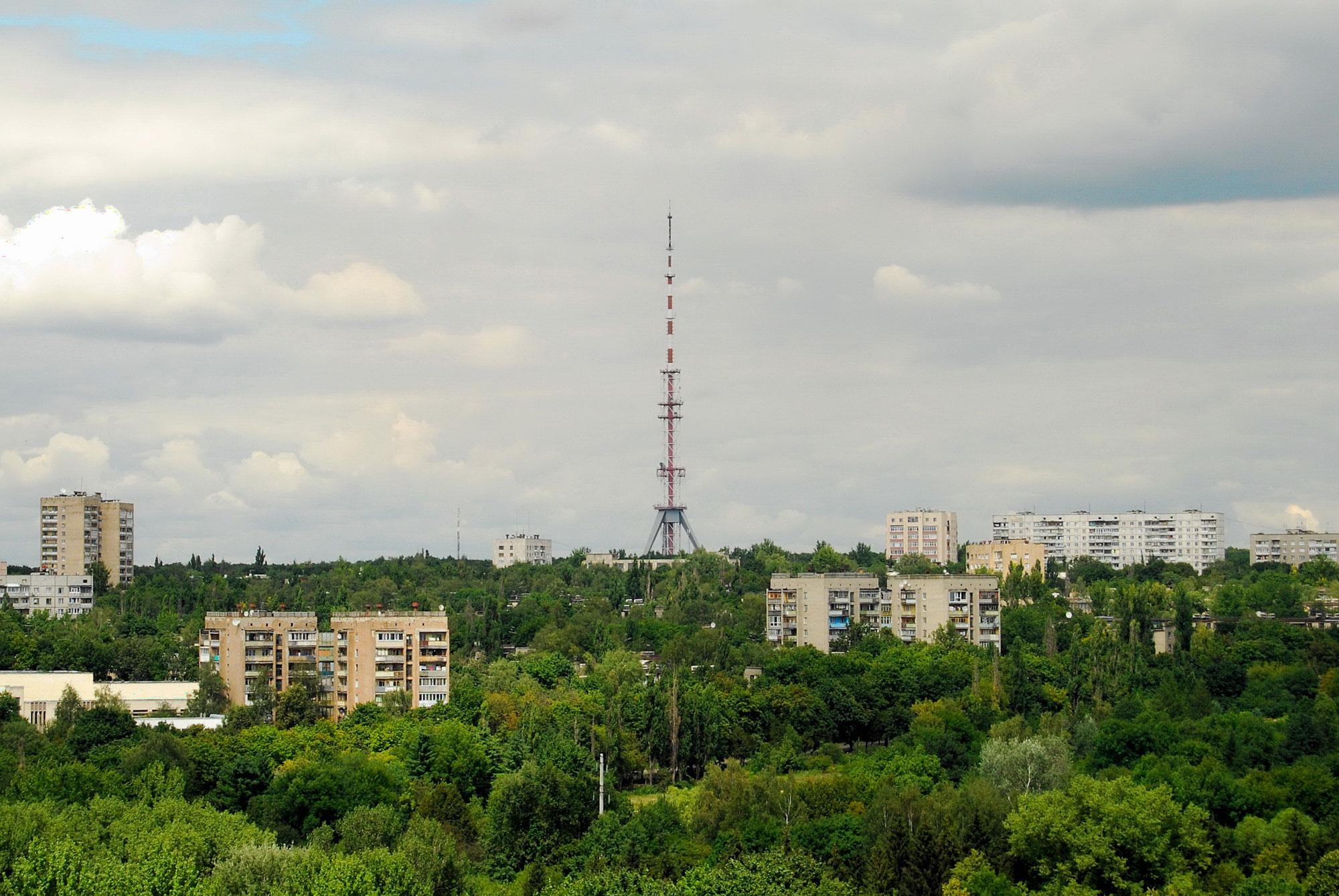 Моніторинг регіональних каналів. Як дотримуються стандартів теленовинарі Харкова