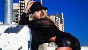 Экс-ведущая M1 Валерия Крук анонсировала выход фильма с ее участием эротическим фото