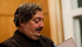 В России экстренно госпитализировали Дмитрия Быкова