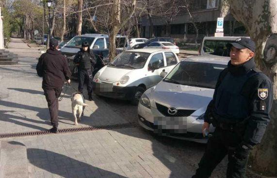 В Одесі поліція шукала вибухівку в будівлі телеканалу