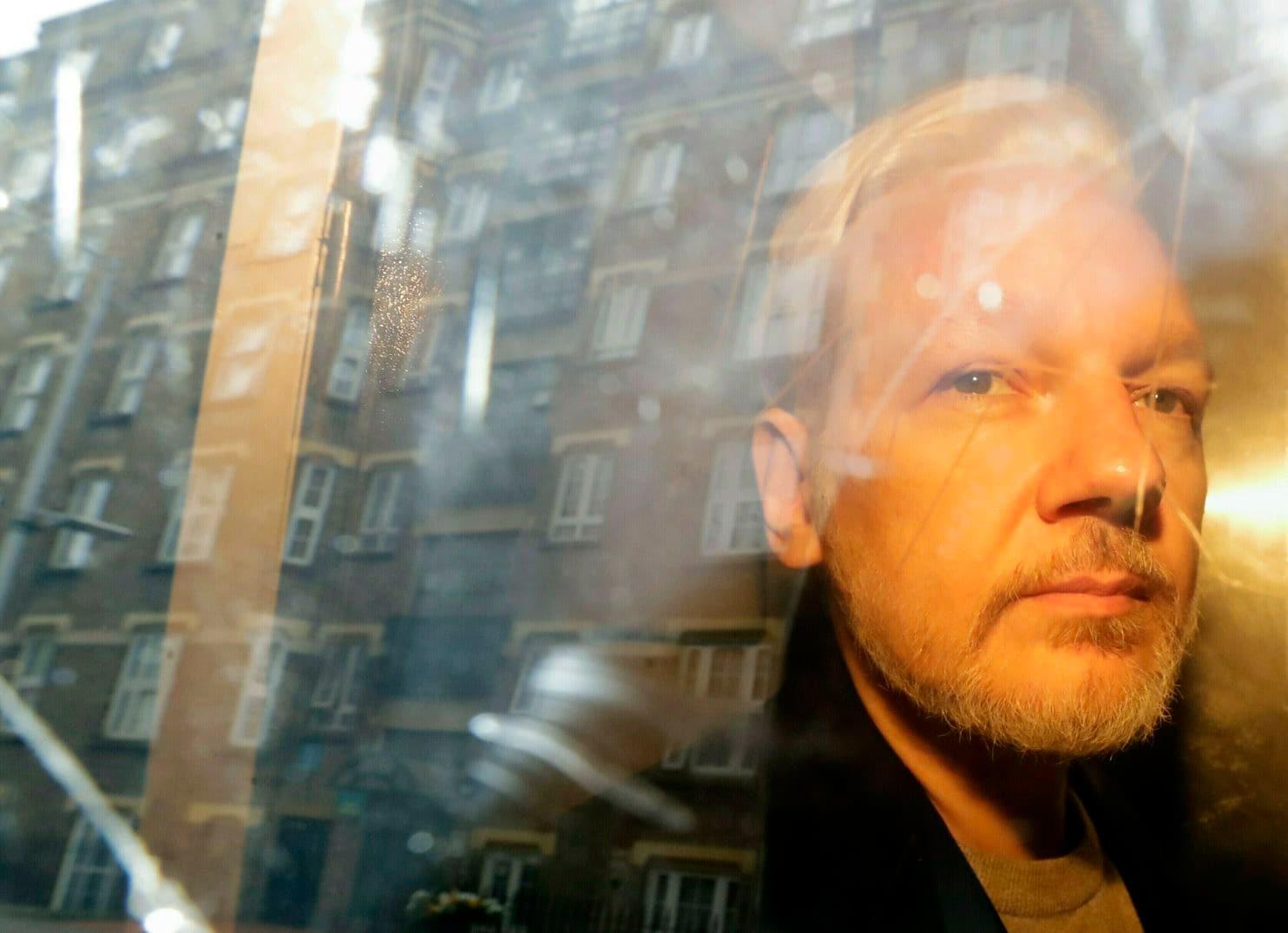 США направили офіційний запит на екстрадицію Джуліана Ассанжа