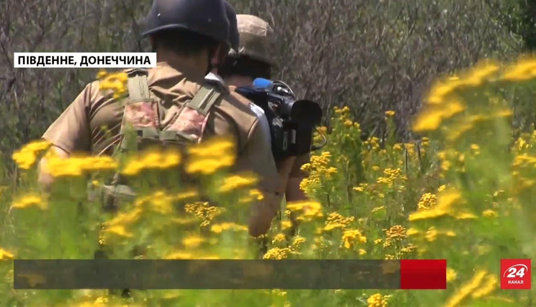Журналісти 24 каналу потрапили під обстріл на Донеччині