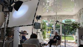 «1+1 медіа» розпочала зйомки документального фільму про модельєра Андре Тана
