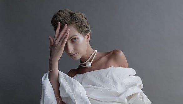 Экс-ведущая «Зважених та щасливих» показала обнаженную грудь
