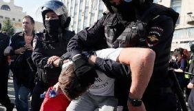 У Москві під час акції протесту за вільні вибори затримали журналістку швейцарського телебачення