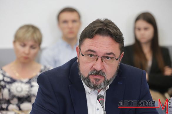 Потураєв хоче запровадити прозорість фінансування ЗМІ та розширити повноваження Нацради