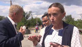 У Станиці Луганській бойовики ОРЛО перешкоджали роботі й погрожували журналістам 5 каналу