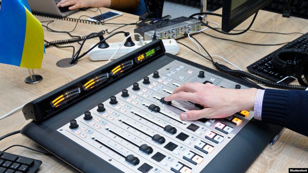 «Телебачення лайт». Про що і як говорить українське розмовне радіо