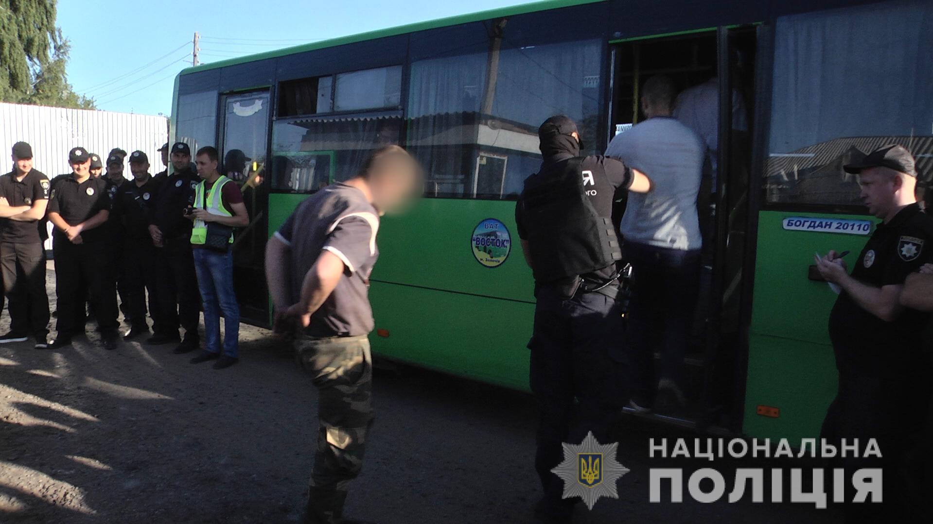 У справі про напад на журналістів «112 Україна» оголошено три підозри, затримані двоє осіб - поліція