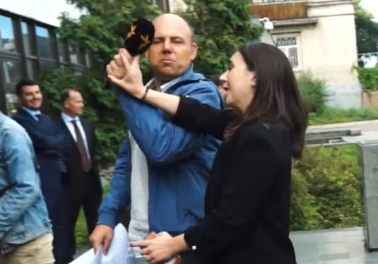 Журналіст Яневський повідомив, що написав на речницю президента Мендель заяву до поліції