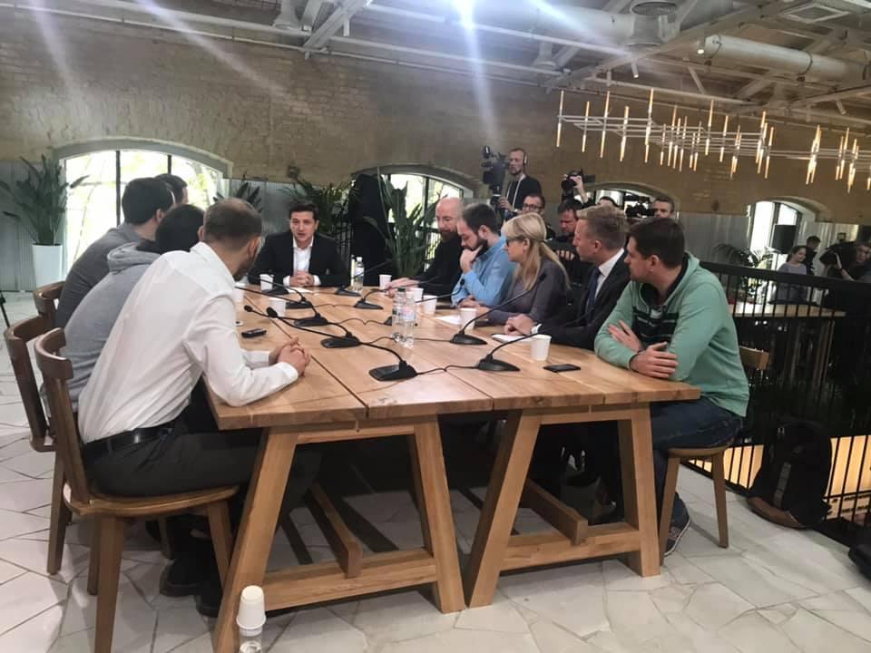 На пресмарафон Зеленського акредитовано понад 300 журналістів