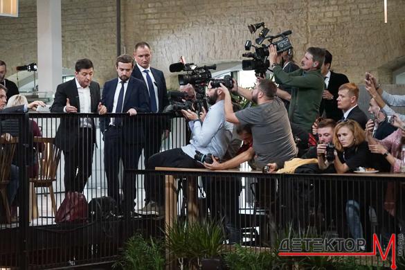 Первый спарринг президента с журналистами