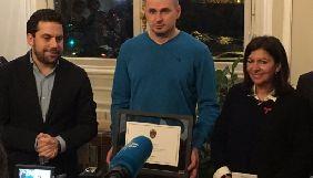 Режисер Олег Сенцов отримав документи про почесне громадянство Парижа