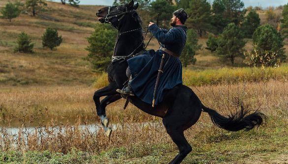 «Чорний ворон»: слабкість кіно проти сили літератури
