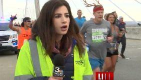 У США заарештували спортсмена, який під час марафону вдарив по сідницях журналістку