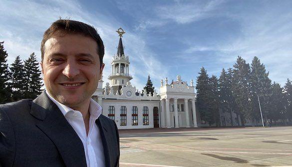 Володимир Зеленський відвідав «Вечірній квартал», де йому виставили претензії за відсутність «посадок»