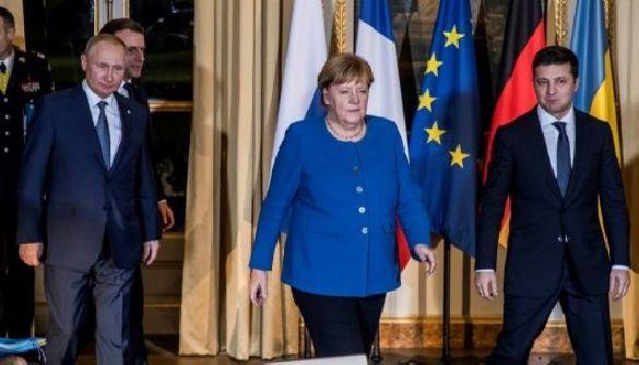 Погано приховане невдоволення. Як кремлівські ЗМІ реагували на результати зустрічі в Парижі