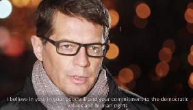 Сущенко у ролику від МЗС закликав продовжувати тиск на владу Росії