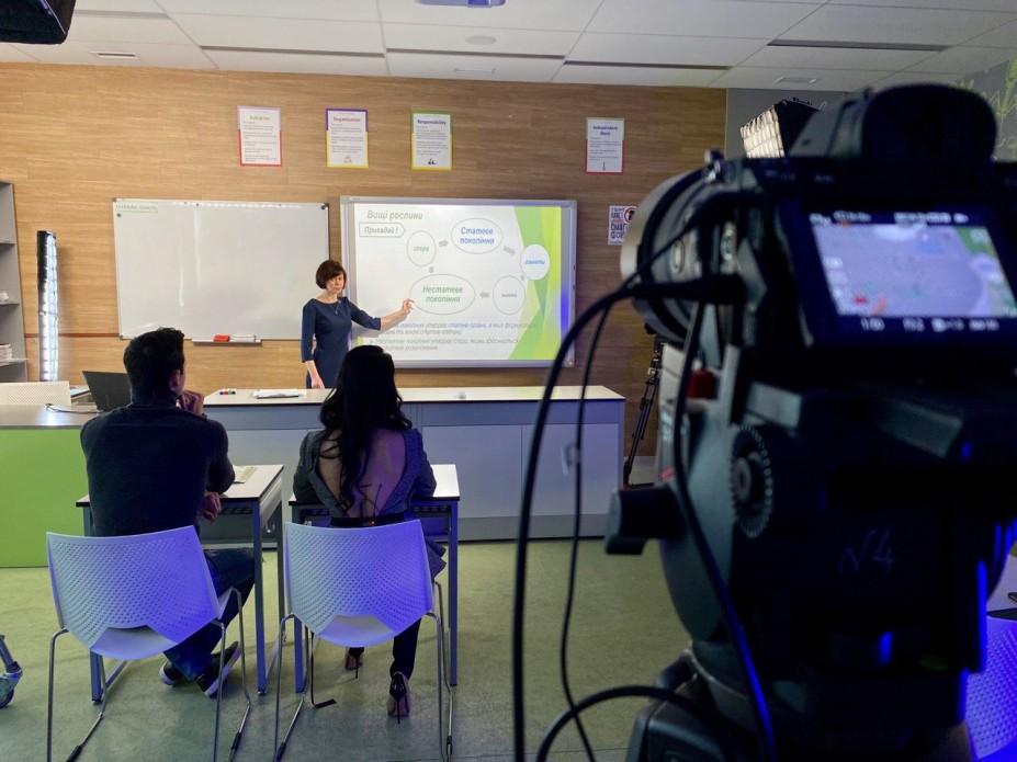 Канал «Дом» показуватиме телеуроки учням з окупованого Донбасу та Криму