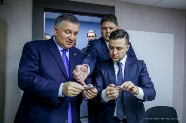 Арсен Аваков відповідає за результат справи Шеремета – Зеленський