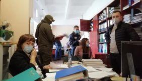 Нацполіція проводить обшук у Довженко-Центрі