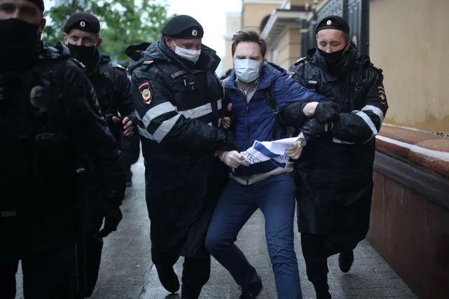 У Росії вдруге за два дні затримали журналістів «Эха Москвы»